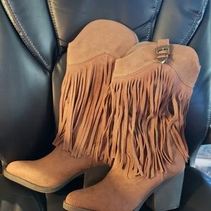 MADDEN GIRL WESTERN  BOOTS WITH FRINGE...NWOT...